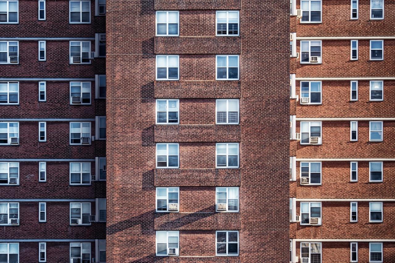 Lakóépületek energiahatékonyságának és megújuló energia felhasználásának növelését célzó hite
